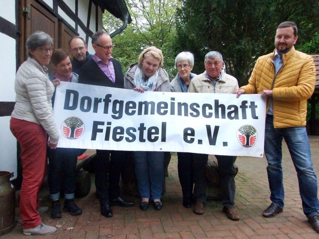 Gründung der Dorfgemeinschaft Fiestel e.V.